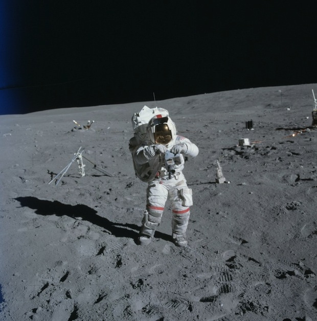 Apollo 16, avril 1972, l'astronaute John Young - Photo : NASA