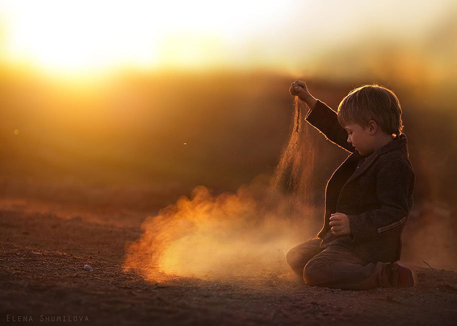 Photo Elena Shumilova - enfant sable