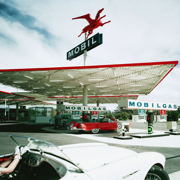 Photo: Mobil Gas Station, Long Beach