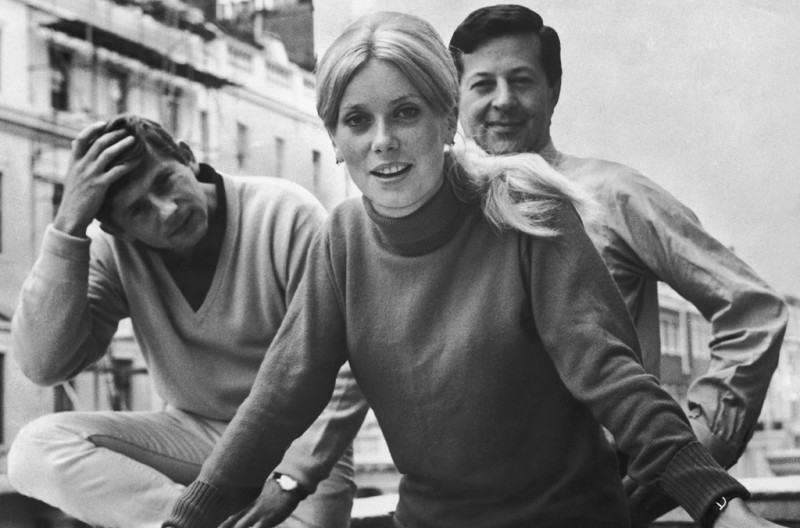 Photo: Roman Polanski, Catherine Deneuve, Eugene Gutowski, 1964. Photo Standard - Hulton Archives - Getty Images ©
