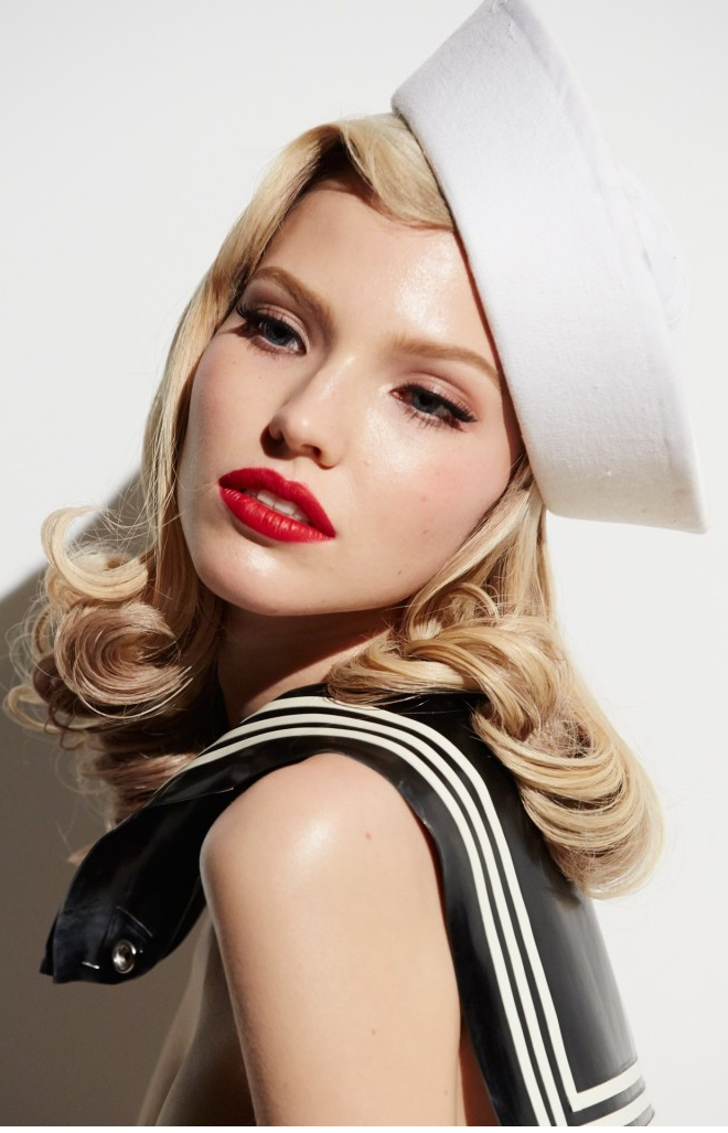 Sasha Luss Aout 2015 - Photo : Steven Meisel