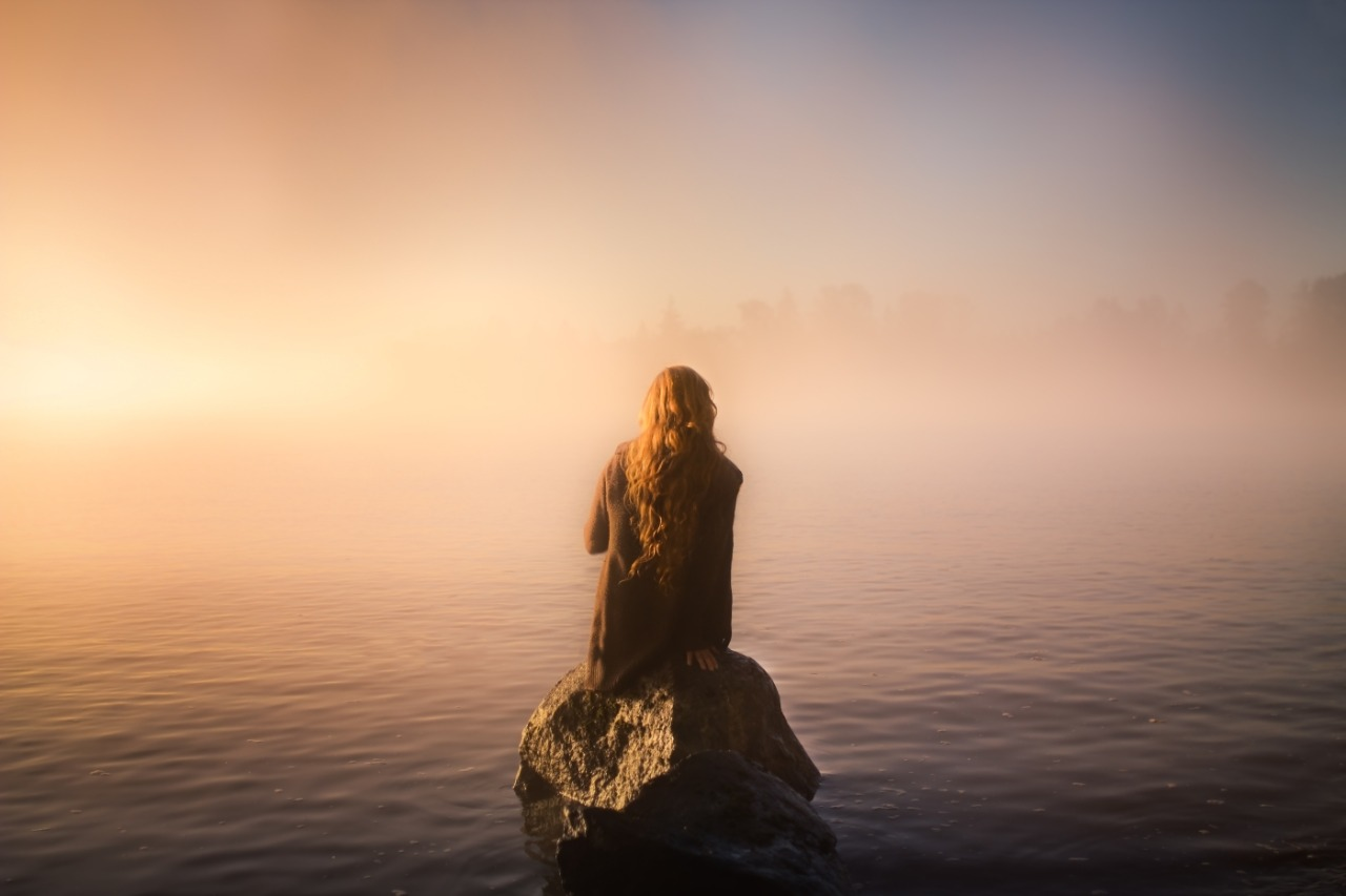 Early Mists - Photo : Elizabeth Gadd