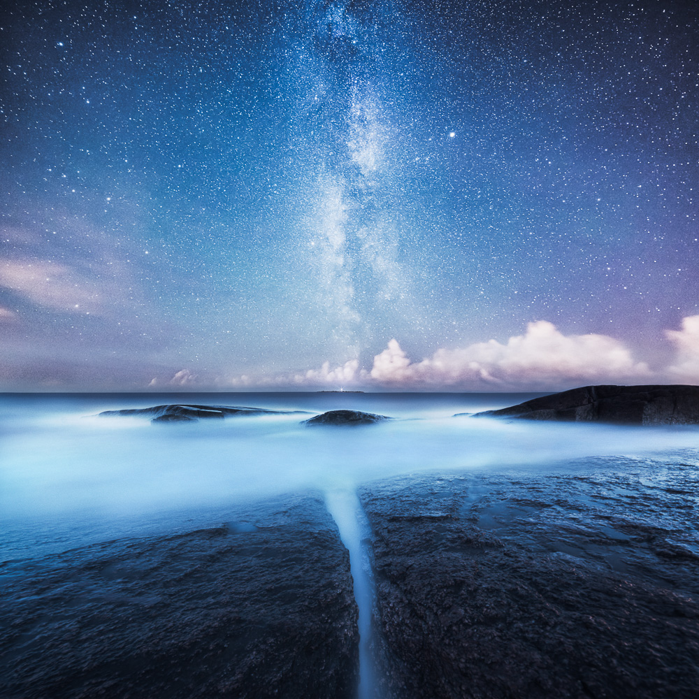 Divided - Photo : Mikko Lagerstedt