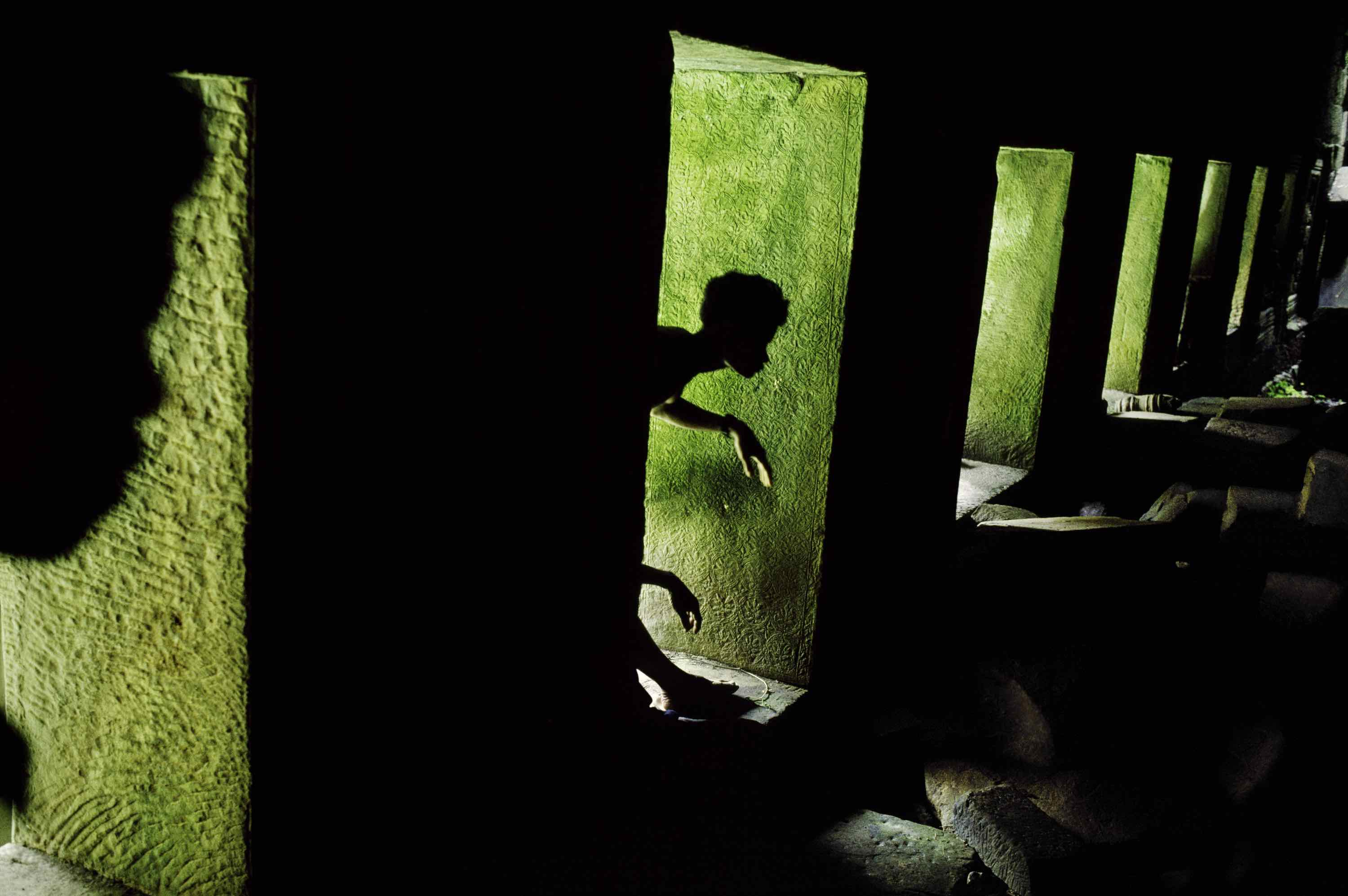 Temple Preah Khan, Angkor, Cambodge, 1999 - Photo : Steve McCurry