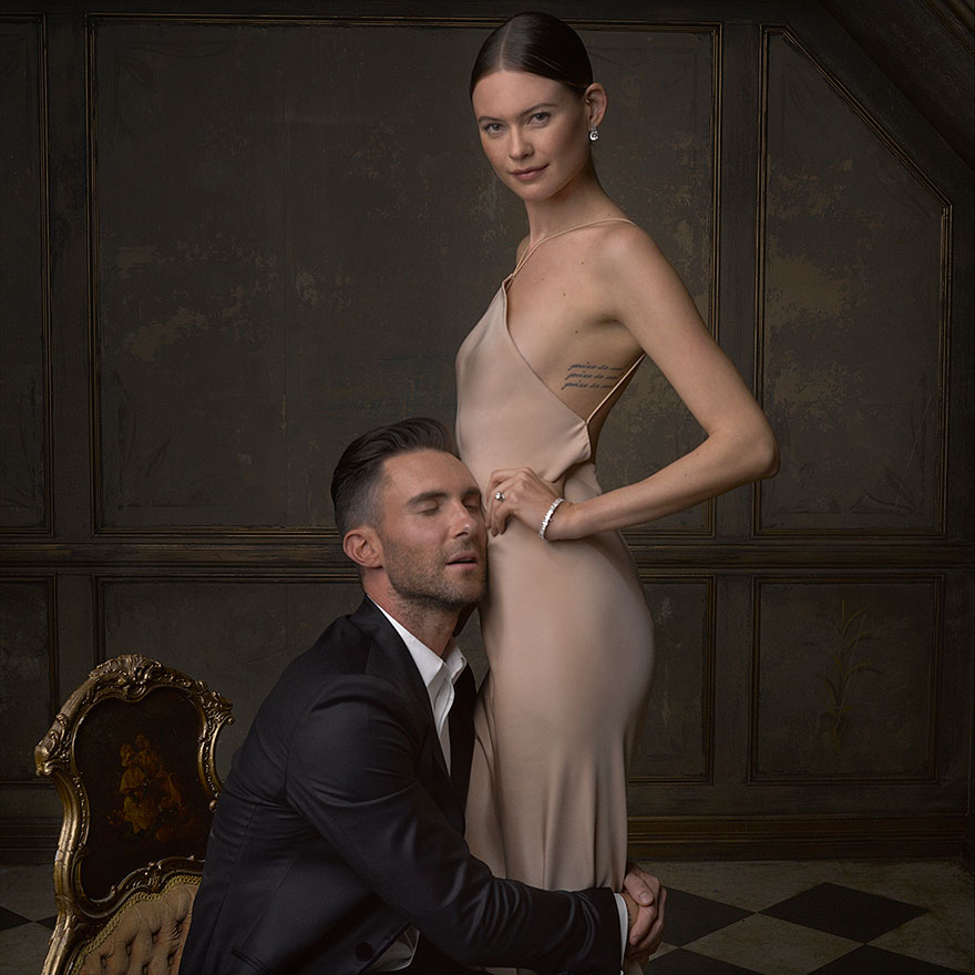 Adam Levine et Bahati Prinsloo - Photo : Mark Seliger pour Vanity Fair