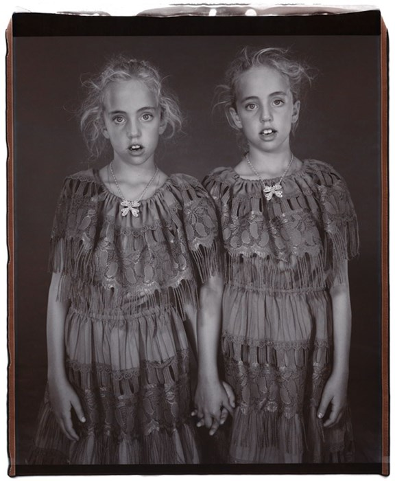 Photo : Mary Ellen Mark - Heather et Kelsey Dietrick, jumelles - 2002