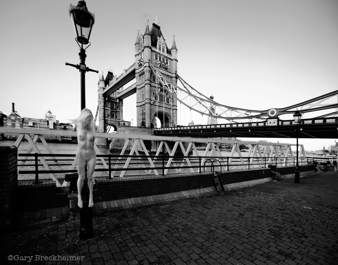 Photo : Gary Breckheimer Abroad - Not The London Bridge