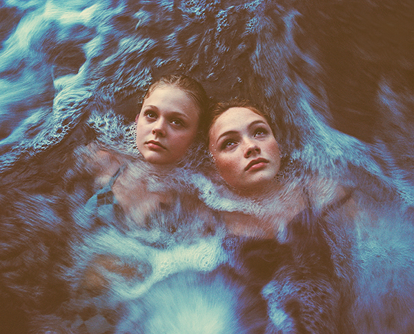 Into the water Photo : Tyler Shields
