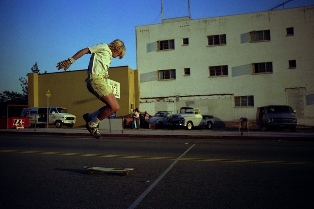 Downtown Tricks, Burbank (No. 78) 1975 - Photo : Hugh Holland