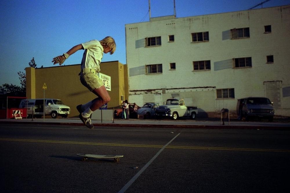 Downtown Tricks, Burbank (No. 78) 1975 - Photo : Hugh Holland