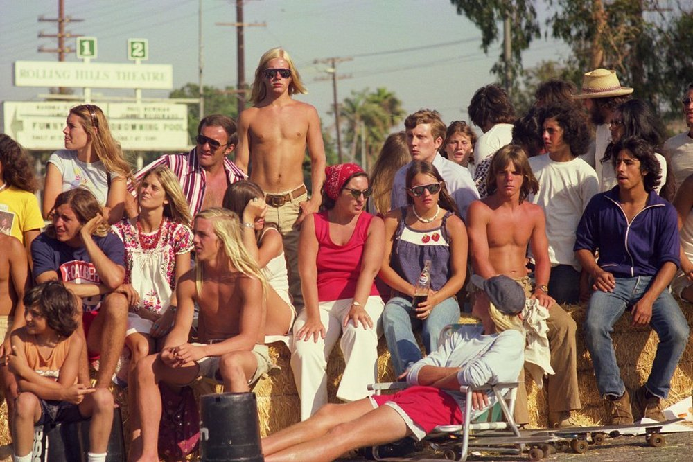 Skate Contest Spectators, Torrance (No. 62) 1975 - Photo : Hugh Holland
