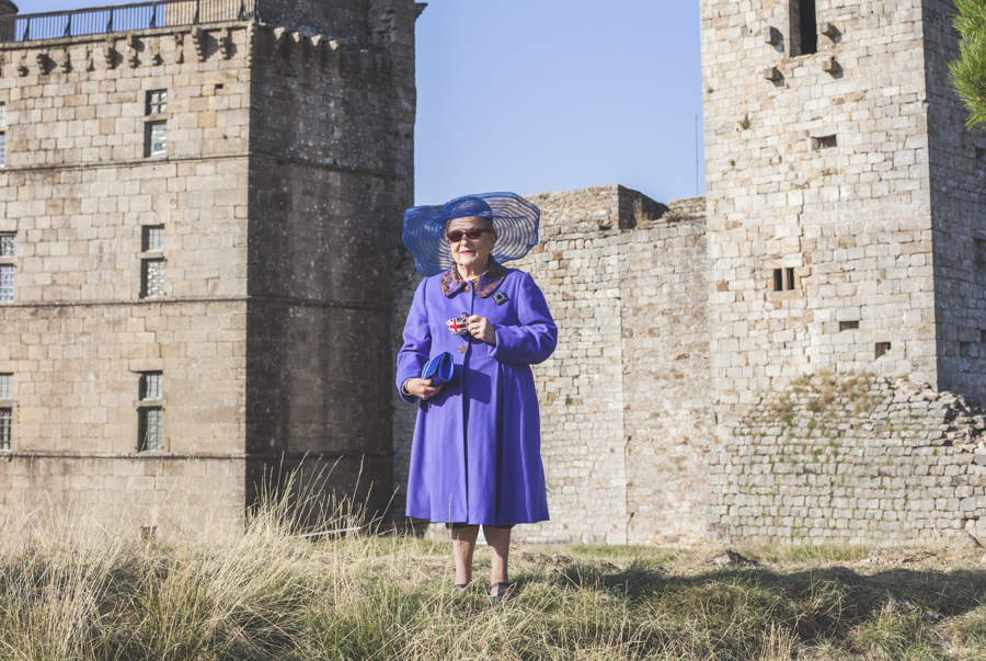 Monique est la Reine Elizabeth II d'Angleterre (Photo : Romain Capelle)