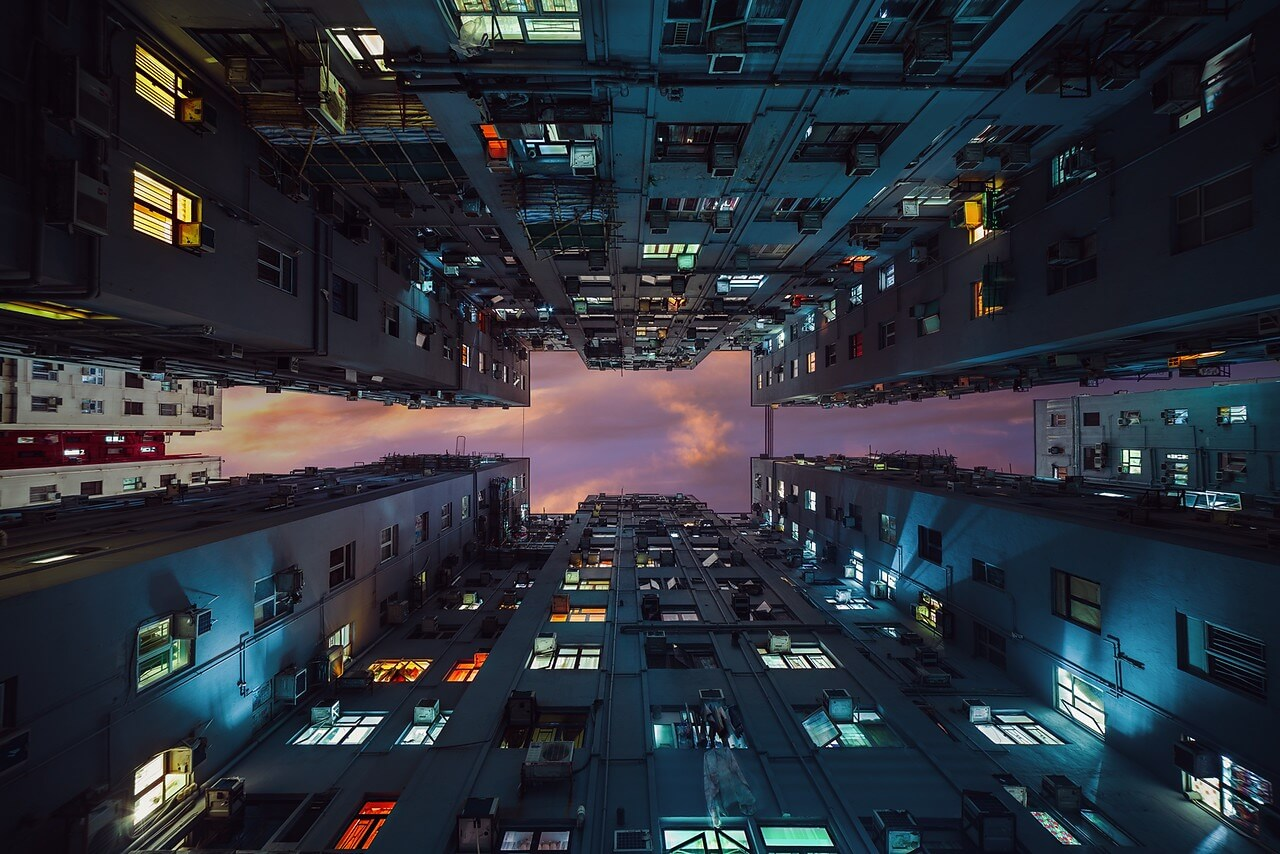 Inside Chungking Mansions - Photo : Peter Stewart