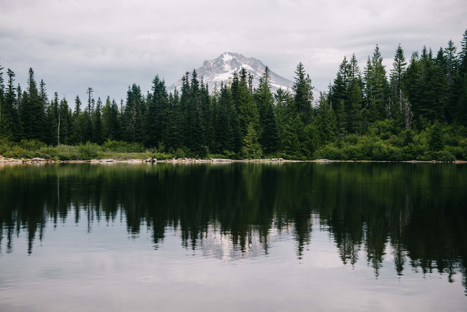 Mount Hood Mirror Lake - Photo : Luke Gottlieb