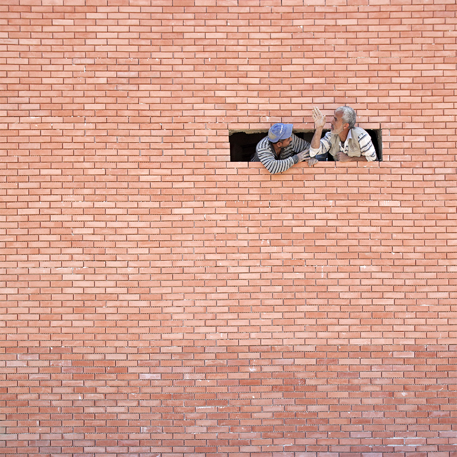 Red brick conversation - Serge Najjar