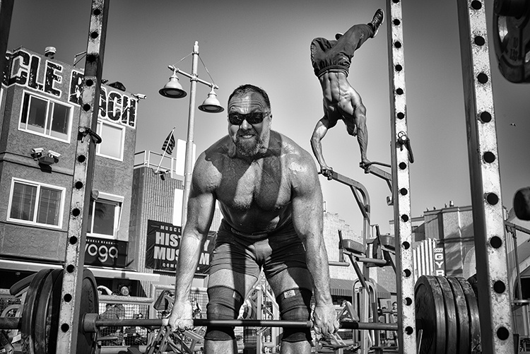 muscle-beach-gym-by-dotan-saguy-usa