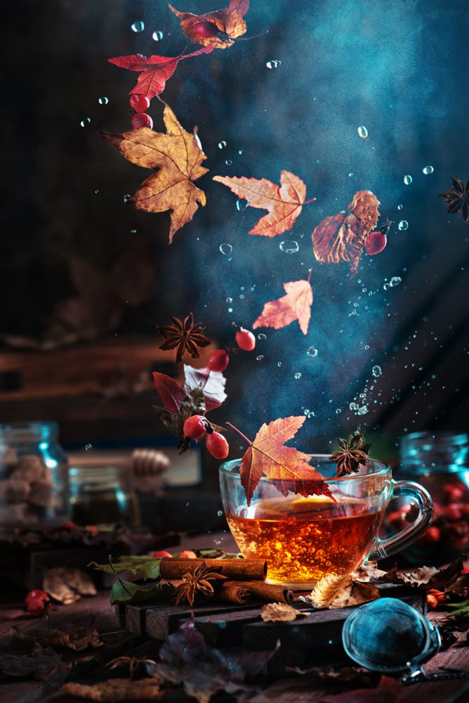 Photo : Briar tea with autumn swirl, Dina Belenko