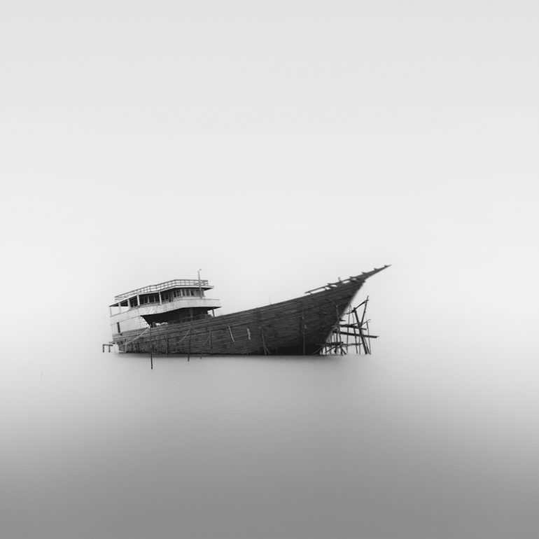 Photo : Boat, Minim, Hengki Koentjoro