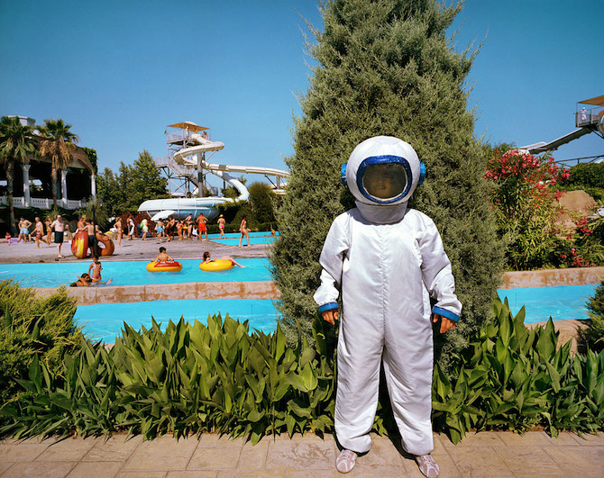 Turkey; Antalya; Lara Beach; World of Wonders, Hotel Topkapi Palace; Animator dressed as astronaut © Reiner Riedler / Anzenberger
