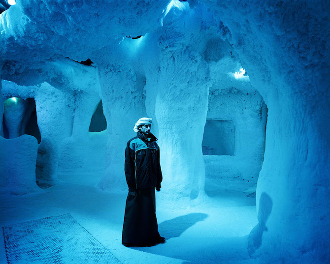 Dubai, Ski Dubai, Indoor Skiing Hall, Portrait in the Icecave © Reiner Riedler / Anzenberger