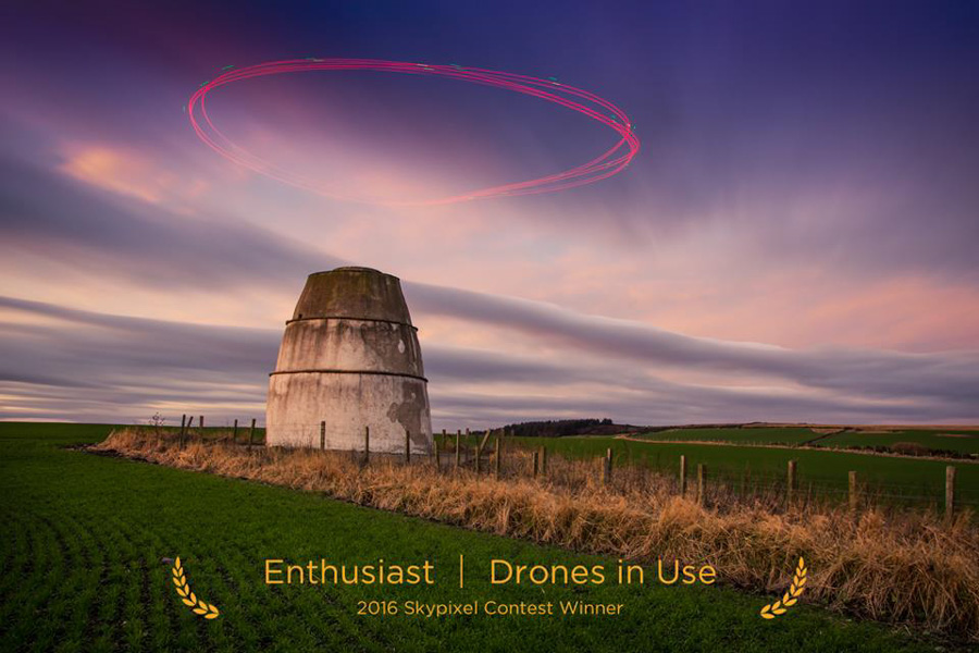 "SkyPixel Photo Contest 2016 Catégorie Enthusiast Drones in Use 1er Prix / Fifa ""Despectus"""