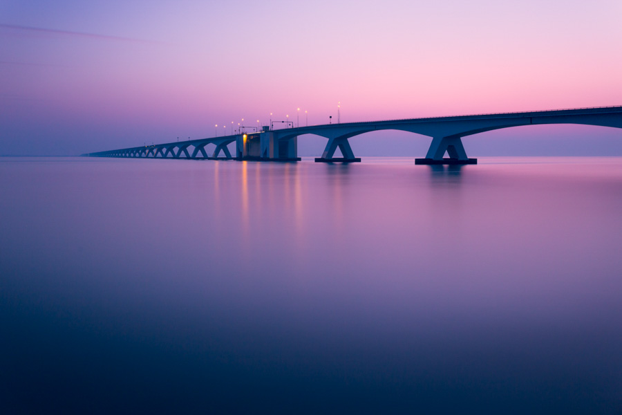 Photo : Tobias Gawrisch / Architecture in the Netherlands - Zeeland Bridge