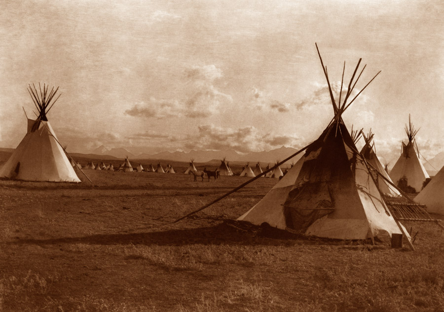 Edward Curtis - Piegan Encampment, 1900