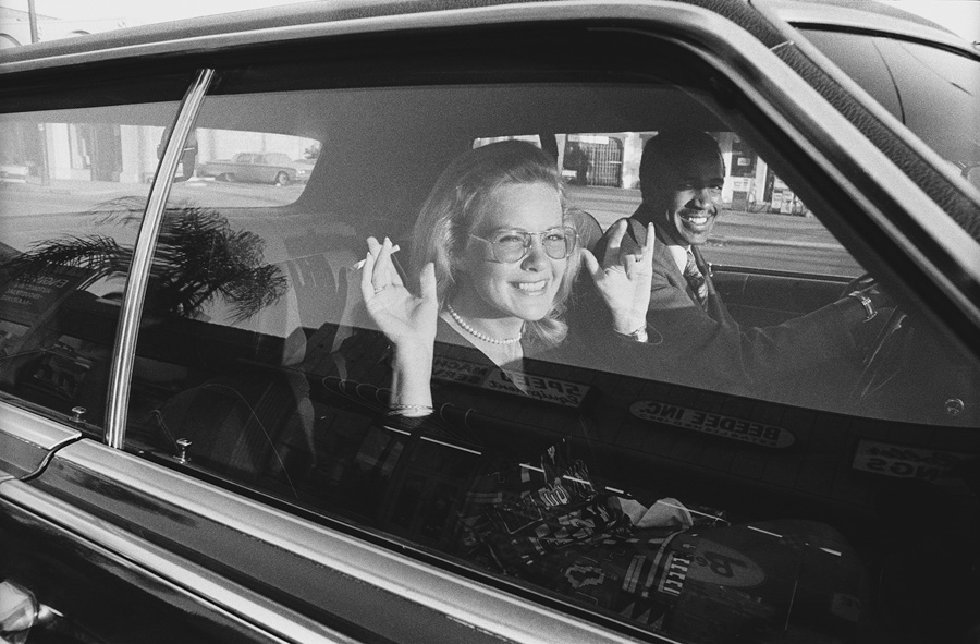 Mike Mandel - People in cars - grainedephotographe-03