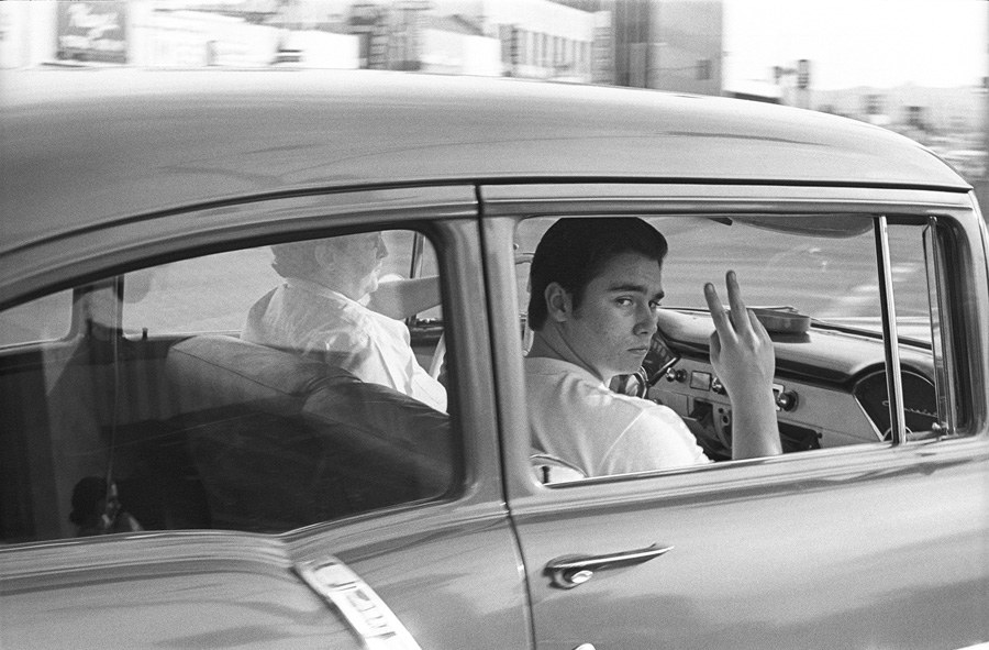 Mike Mandel - People in cars - grainedephotographe-04