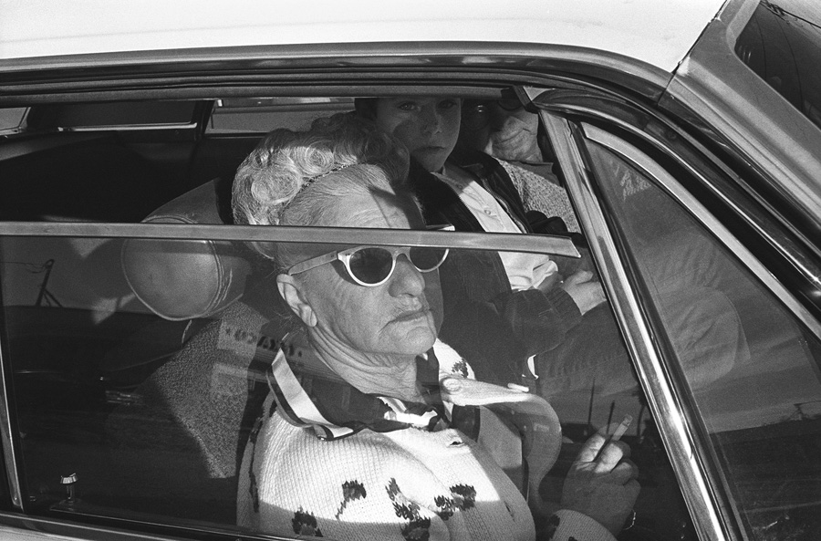 Mike Mandel - People in cars - grainedephotographe-05
