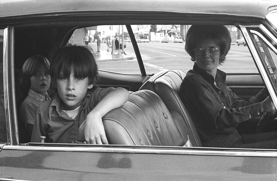 Mike Mandel - People in cars - grainedephotographe-07