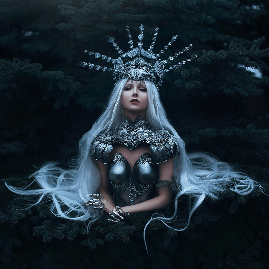 Photo - Bella Kotak, Enchanted Worlds, The Armoured Queen