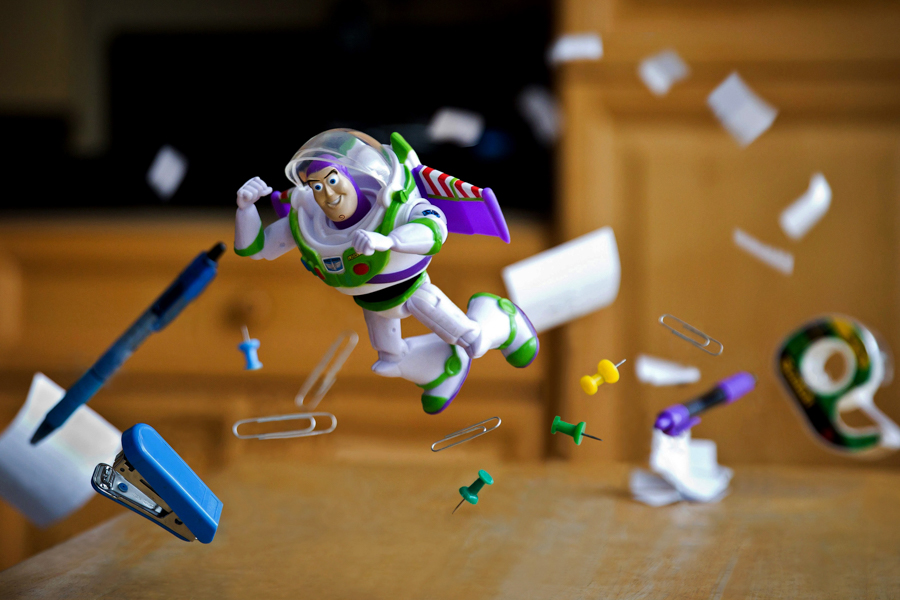 Photo - Mitchel Wu, Rocket Pack Turbulence Alert ! (Buzz L'éclair, Toy Story)