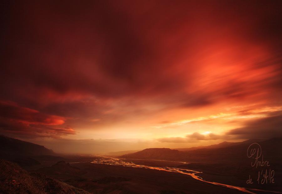 Photo - Ambre de l'AlPe, The Master of Fire