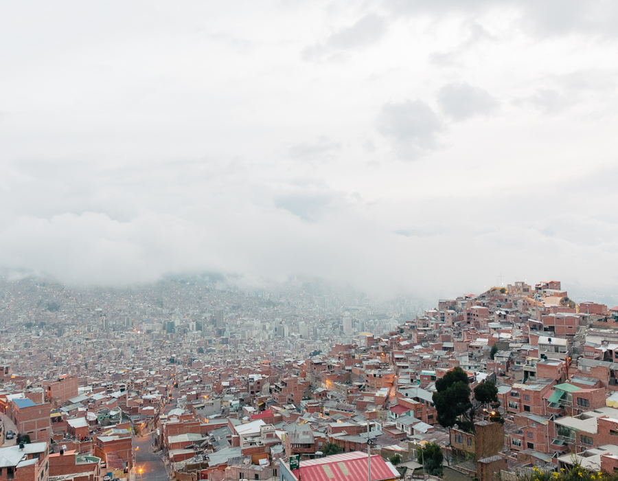 La Paz dans la brume, photo par Kevin Faingnaert, article grainedephotographe.com