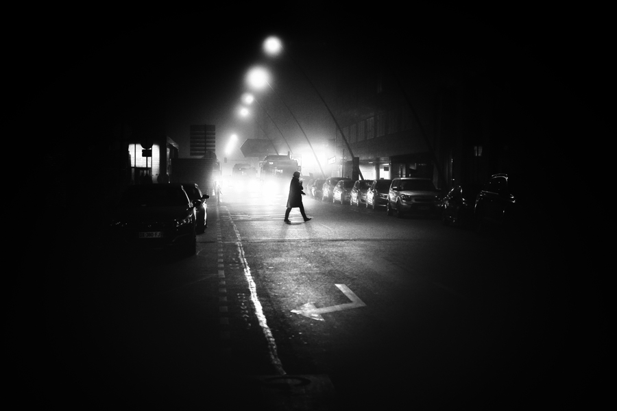 alexandre lawniczak - street photography - noir et blanc - photo de nuit