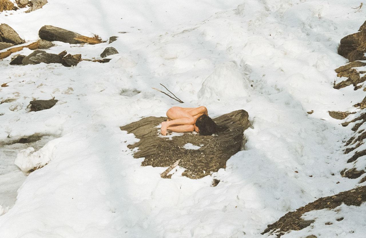 Univers mélancolique Mylene Tillier, corps nu dans la nature