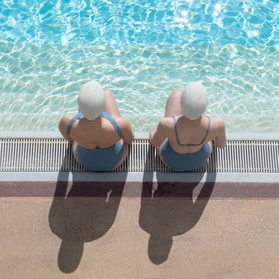 Grils at the summer pool Paris ©️ Soo Burnell